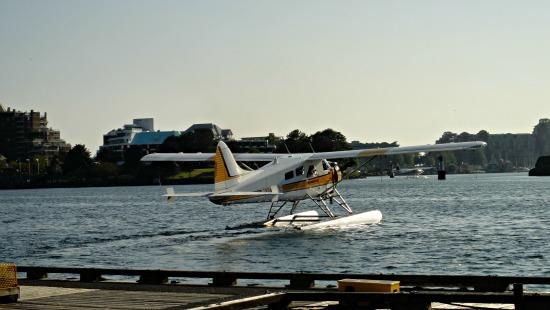 Kenmore Air flying out Victoria harbour to Seattle